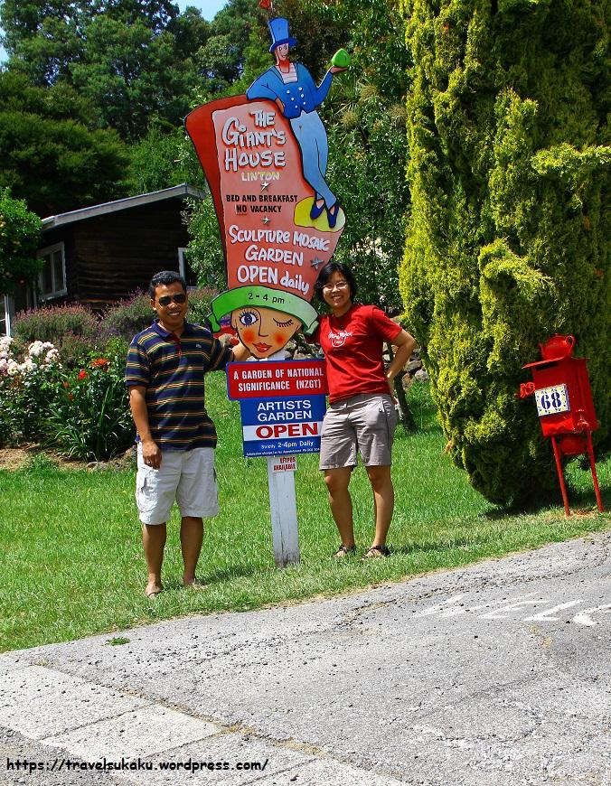 7. Foto di Pintu Masuk Giant House Akaroa - txt